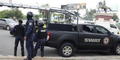 Equipos élite de la Policía Nacional fueron desplegados en zonas estratégicas.  JOSÉ DE LEÓN