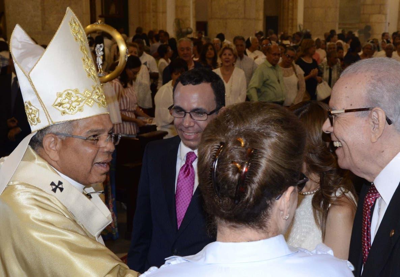 Monseñor Francisco Ozoria durante la celebración de la misa  . José de León