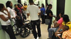 Pacientes que diariamente asisten a centros públicos en busca de sanar dolencias.