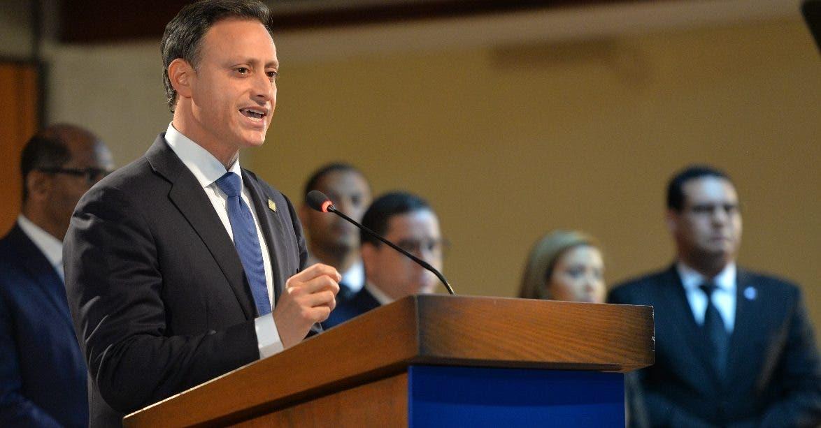 El procurador Jean Alain Rodríguez ha defendido escogencia de esos funcionarios.  archivo