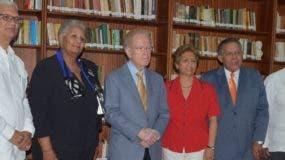 Miembros  de la Fundación  junto al jurado.  Ana Mármol