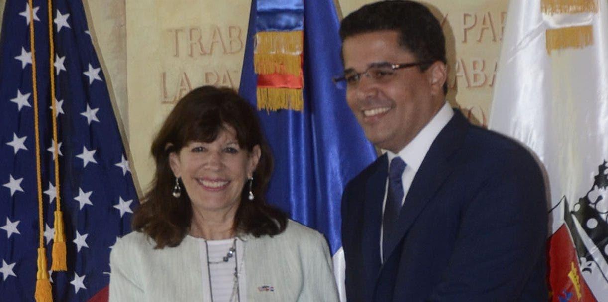 El encuentro se realizó en el Palacio Consistorial, ubicado en la Zona Colonial. José de León