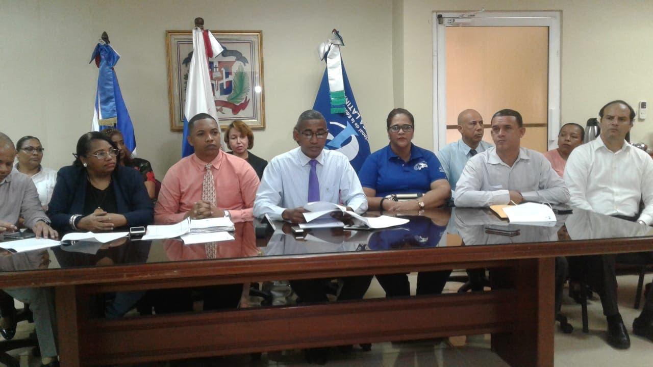Dirigentes de la seccional Norte de la ADP en el Distrito Nacional.