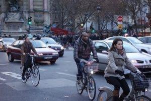 Francia dará incentivos económicos a quienes utilicen la bicicleta como medio de transporte para ir al trabajo.