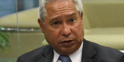 """Santanta: """" Creo que no hay mayor honor para un economista  que lo nombren ministro de Economía"""".   Alberto Calvo."""