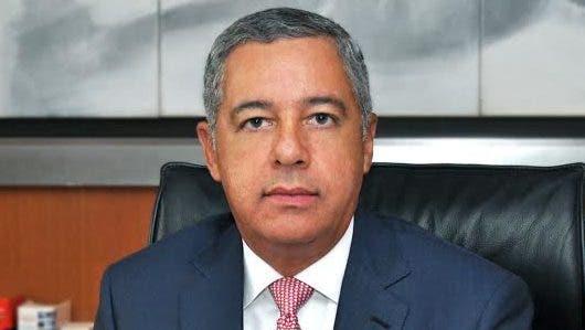 Donaldo Guerrero, ministro de Hacienda.