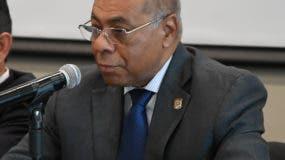 foto-1-magistrado-milton-ray-guevara-presidente-del-tribunal-constitucional-durante-su-participacion-en-el-encuentro-anual-de-jueces-en-peru