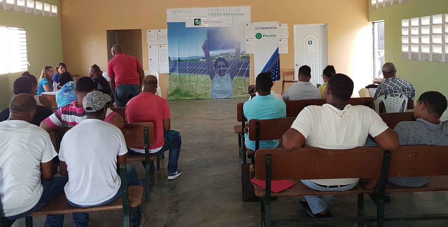 Emerald Solar realizó una feria de empleos el pasado viernes 21 de septiembre, para captar parte de los trabajadores que empleará.