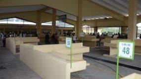 La moderna instalación cuenta en cada cubículo con drenaje por si echan agua a productos.