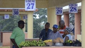 Desde ya algunos mercaderes se adelantaron y cargaron rubros y frutas.  JOSÉ DE LEON.