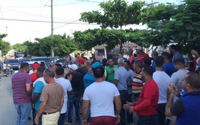 Los choferes advirtieron que realizarán un paro nacional. Foto tomada de @Telenoticiasrd.