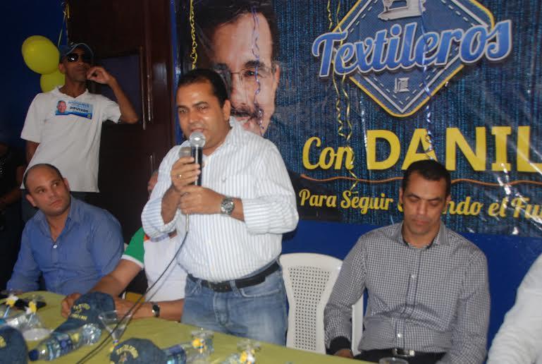 Felipe Isa habla durante la inauguración de un local del movimiento en Herrera.