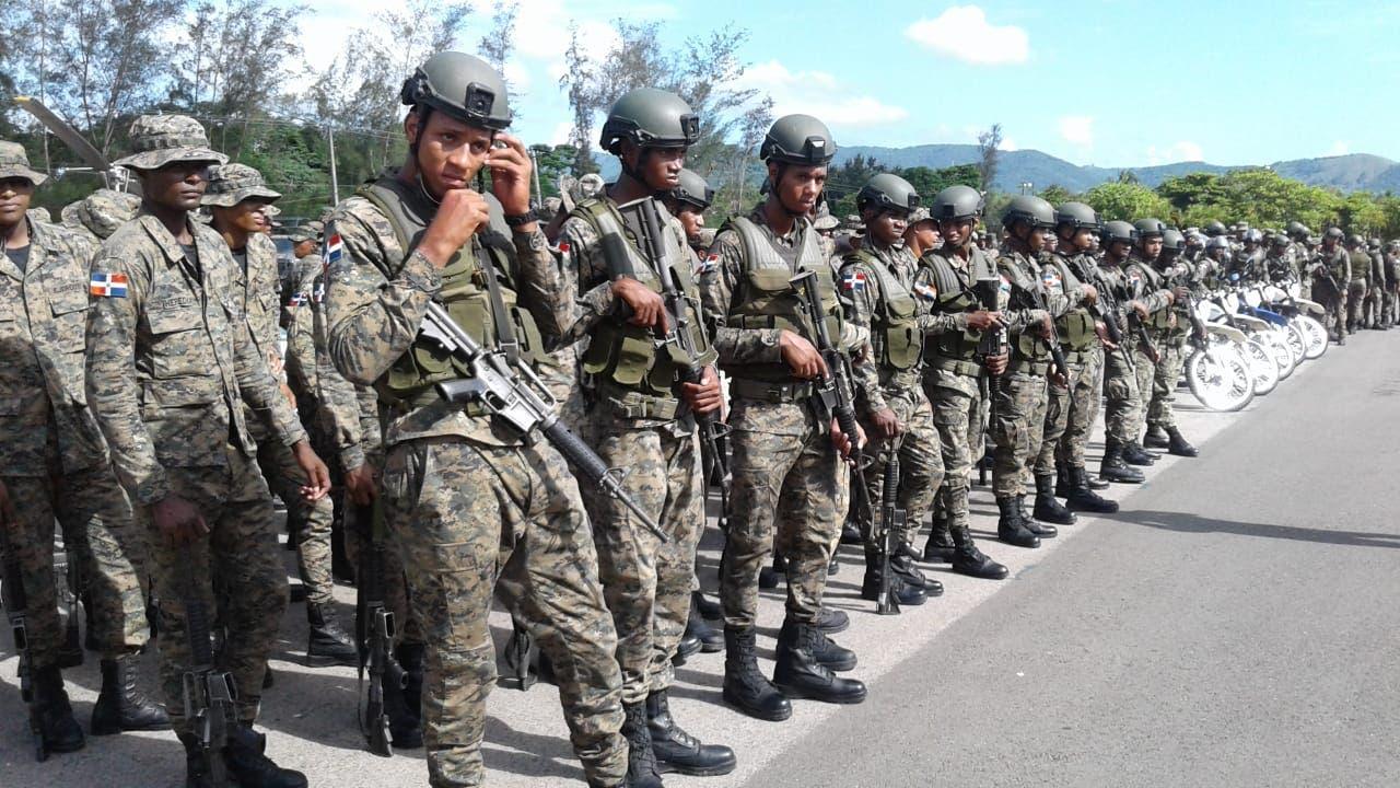 Parte de los 360 miembros del Ejército que fueron enviados hoy a la frontera como parte de la Fuerza de Tarea Conjunta Interagencial.