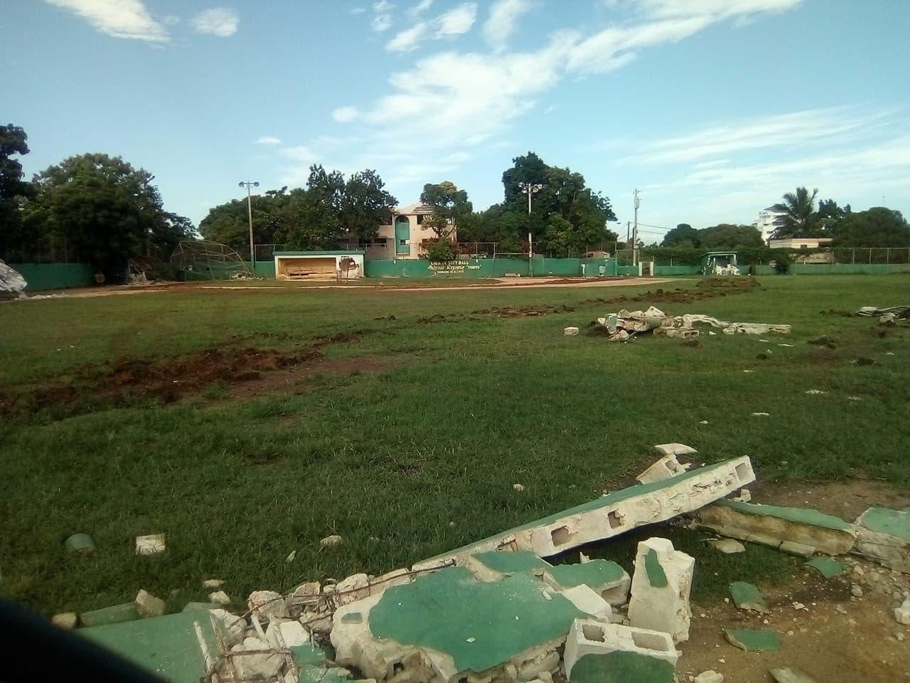Desconocidos destruyeron estadio de béisbol en Respaldo Los Tres Ojos