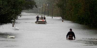 Después de que se informase de la muerte de cinco personas debido a Florence este viernes, cuando el ciclón tocó tierra como huracán de categoría 1 en Carolina del Sur, el sábado la cifra aumentó hasta trece.