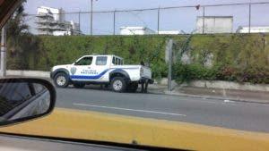 Presencia policial en la avenida San Martín.
