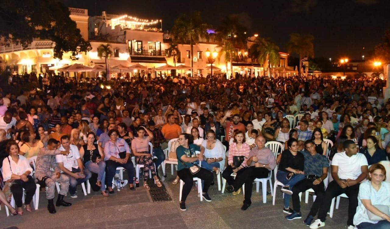 Parte de los participantes en la Noche Larga de los Museos.