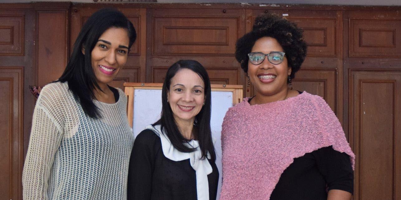 Rosa Arredondo, Marta Quéliz y Daniela Cruz Gil.