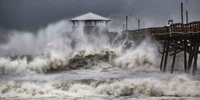 El huracán Florence tocó tierra a las 07.15 hora local (11.15 GMT) en Wrightsville Beach, en Carolina del Norte, informó el Centro Nacional de Huracanes (NHC) en un boletín especial.