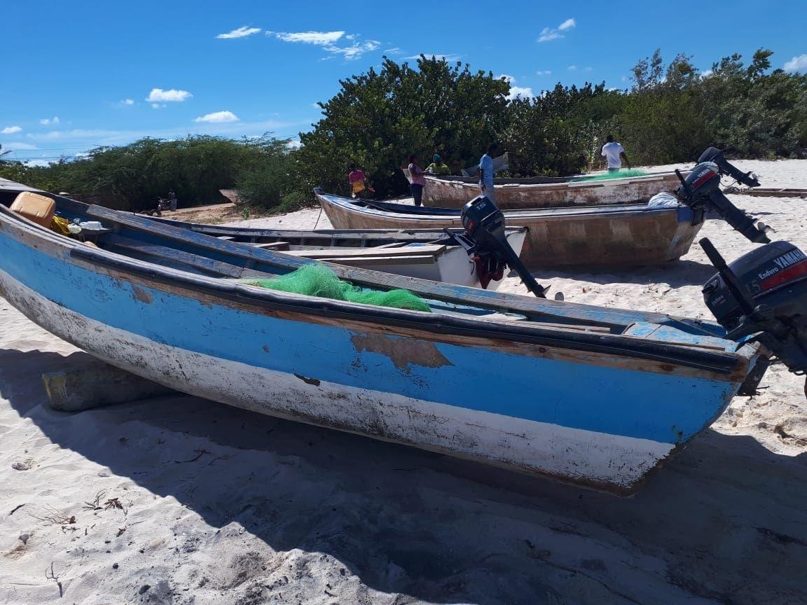 Parte de las embarcaciones incautadas por la Armada Dominicana a  pescadores haitianos.