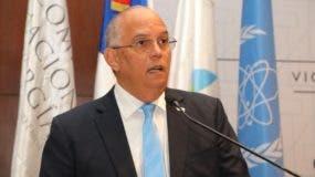 Angel Canó,  director ejecutivo de la CNE.