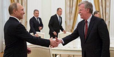 El presidente Vladimir Putin recibió a John Bolton.