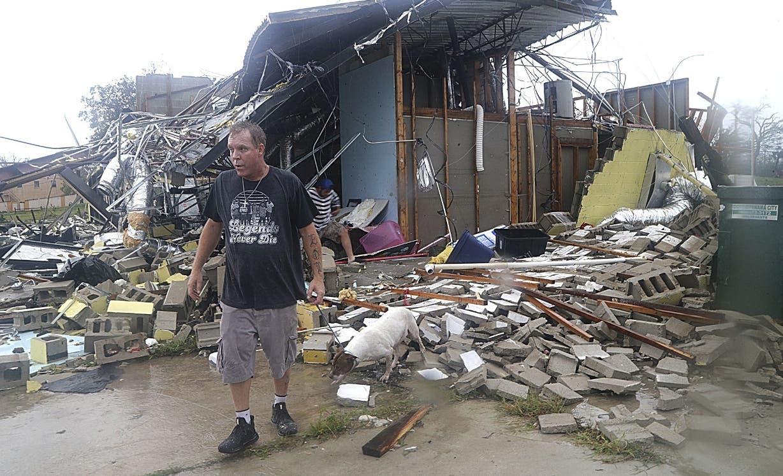 El huracán Michel descargó  toda su fuerza en la costa del extremo noroccidental de Florida,