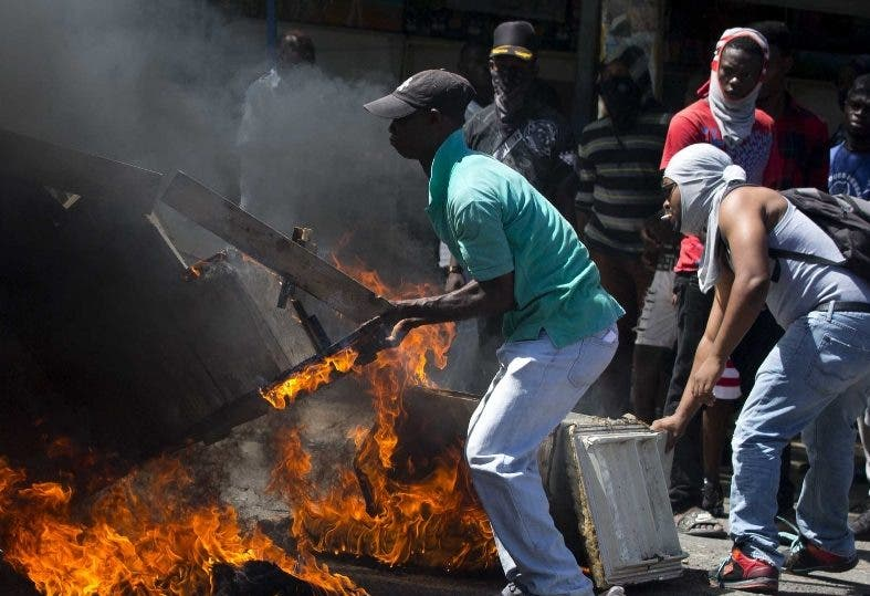 La protesta pide hacer  justicia por actos de corrupción.