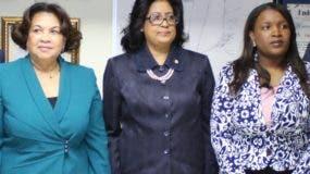 María Elena Cruz, Cristina Lizardo Mézquita   y Josefina Selmo Crisóstomo.