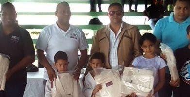 Equipo de Dajabón que ganó el torneo de judo.