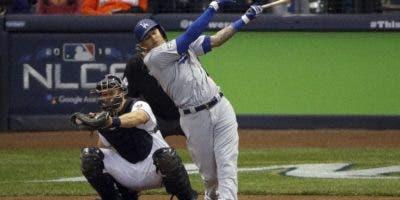Manny  Machado sigue siendo de interés para los Yankees.  aP