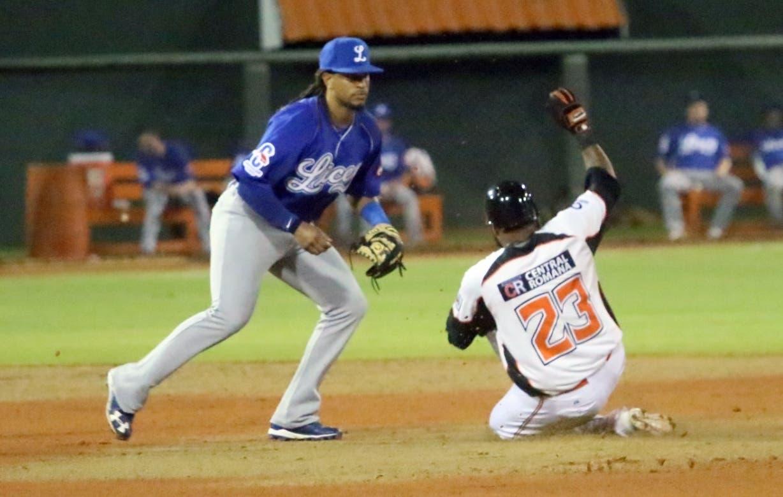 La jugada corresponde al histórico partido que ganaron los Tigres a los Toros el martes.