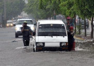Tormenta Fred arroja fuertes lluvia a su paso por República Dominicana