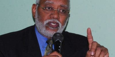 Wilson Roa,  presidente del Colegio Médico Dominicano.
