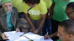 Firmas contra la  corrupción y la impunidad.