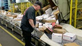 Una búsqueda de una base de datos de correos indicó que al menos varios de los paquetes pudieron haber sido enviados desde Florida, dijo un funcionario.