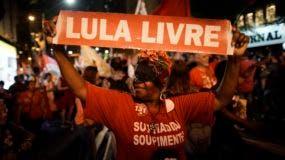 Además de elegir al nuevo presidente, los brasileños acudirán el domingo a las urnas para escoger a los gobernadores y a los legisladores regionales de los 27 estados del país. También renovarán dos terceras partes del Senado y escogerán a los miembros de la Cámara Baja.