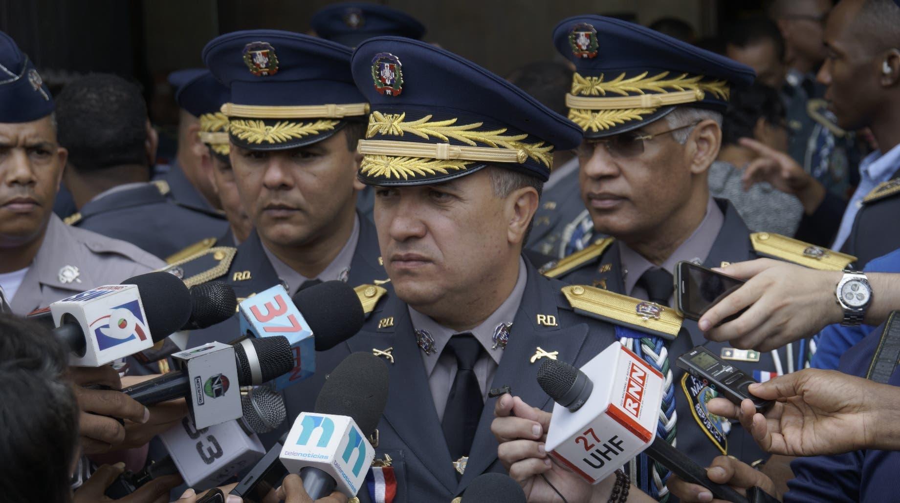 El director de la Policía, mayor general Ney Aldrin Bautista Almonte, mientras ofrecía declaraciones.
