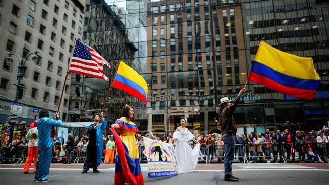 Desfile de la Hispanidad recorre Nueva York en 150 aniversario de La Nacional