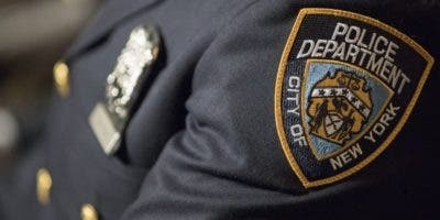 Los agentes policiales contarán con tarjetas de presentación para entregarlas a las personas que detengan.