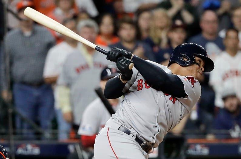 Devers empujó dos anotaciones y los Medias Rojas ganaron a domicilio 6-8 a los Astros de Houston para quedar a una victoria de pasar a la Serie Mundial.