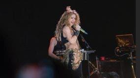 Shakira en uno de los  momentos más emocionantes de su espectáculo en el campo de golf de Hard Rock Hotel & Casino, en Punta Cana, República Dominicana.