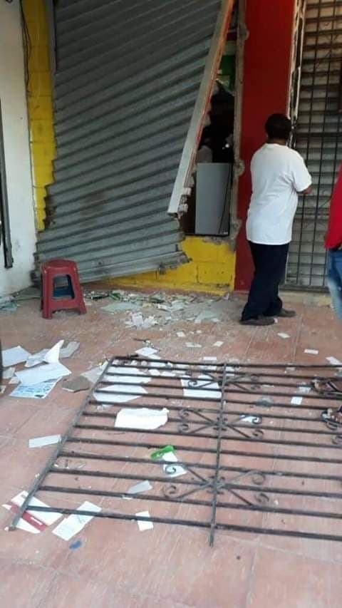 27. En Cienfuegos varios negocios fueron saqueados