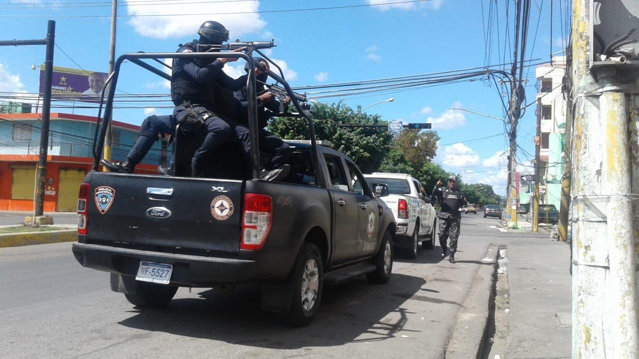 30. Miembros de equipo SWAT en San Francisco de Macorís