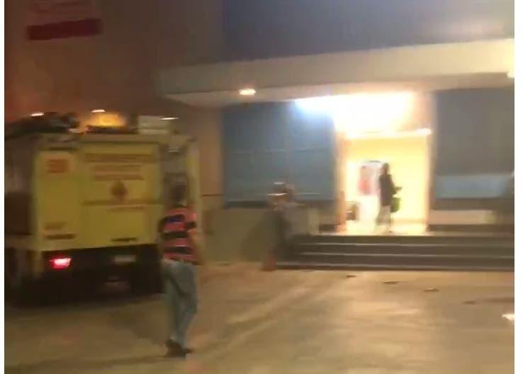 Evacuan personal de Teleantillas y emisoras por fuerte olor a humo