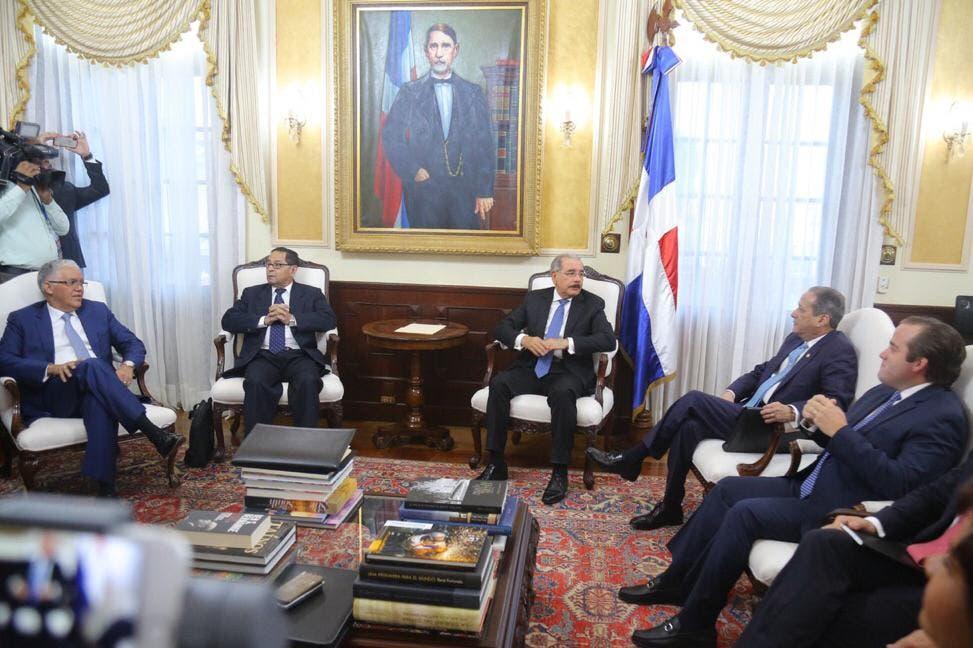 Consejo Nacional de la Magistratura está reunido en el Palacio Nacional