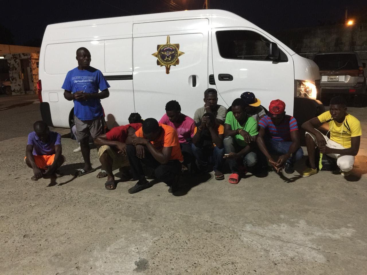 Apresan 13 haitianos en Jimaní pretendían llevar varias motocicletas ilegal a Haití