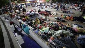 Una segunda caravana de migrantes sigue los pasos de la que ya camina por México.