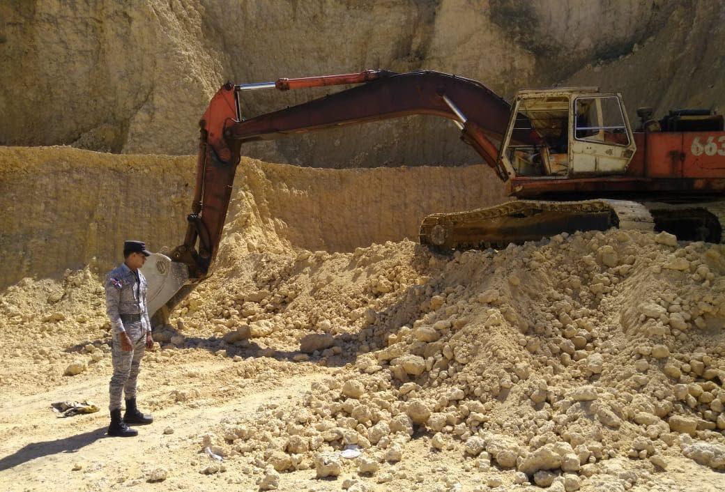 SENPA clausura 25 minas de extracción de materiales que operaban de manera clandestina