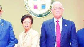 Modesto Guzmán,  Catalina Mota,  José Espaillat y Alejandro Viginieri.